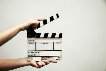 【脚本の書き方】脚本家志望が最初に読むべき本『シナリオの基礎技術』のまとめ&レビュー!