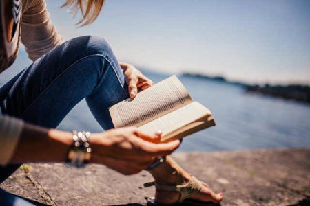 書評の書き方と楽しみ方とは?|物語やビジネス書の良さを伝える極意について